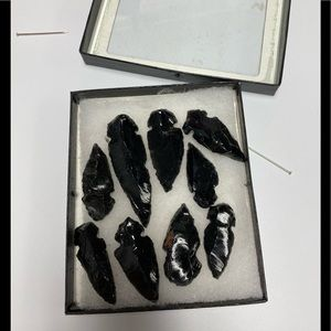 NWOT NINE HEMATITE ARROWHEADS FOR JEWELRY